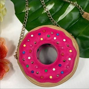 Betsy Johnson Donut chain purse fish is pink